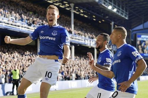 club foot everton toffees liverpool